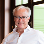 Roland Folger (President & CEO of Mercedes-Benz (Thailand) Limited)