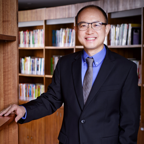 Hui Ouyang (Dean's Distinguished Chair Professor of Finance at CKGSB)